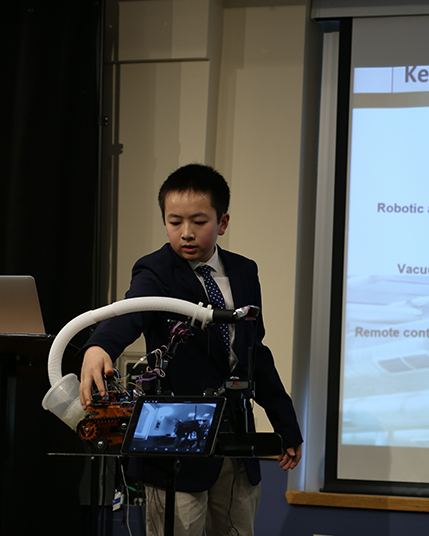 KTBYTE robotic club student William Zhang wins most marketable award